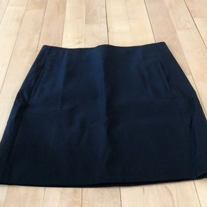 LOFT black dress skirt w/side pockets, NWOT